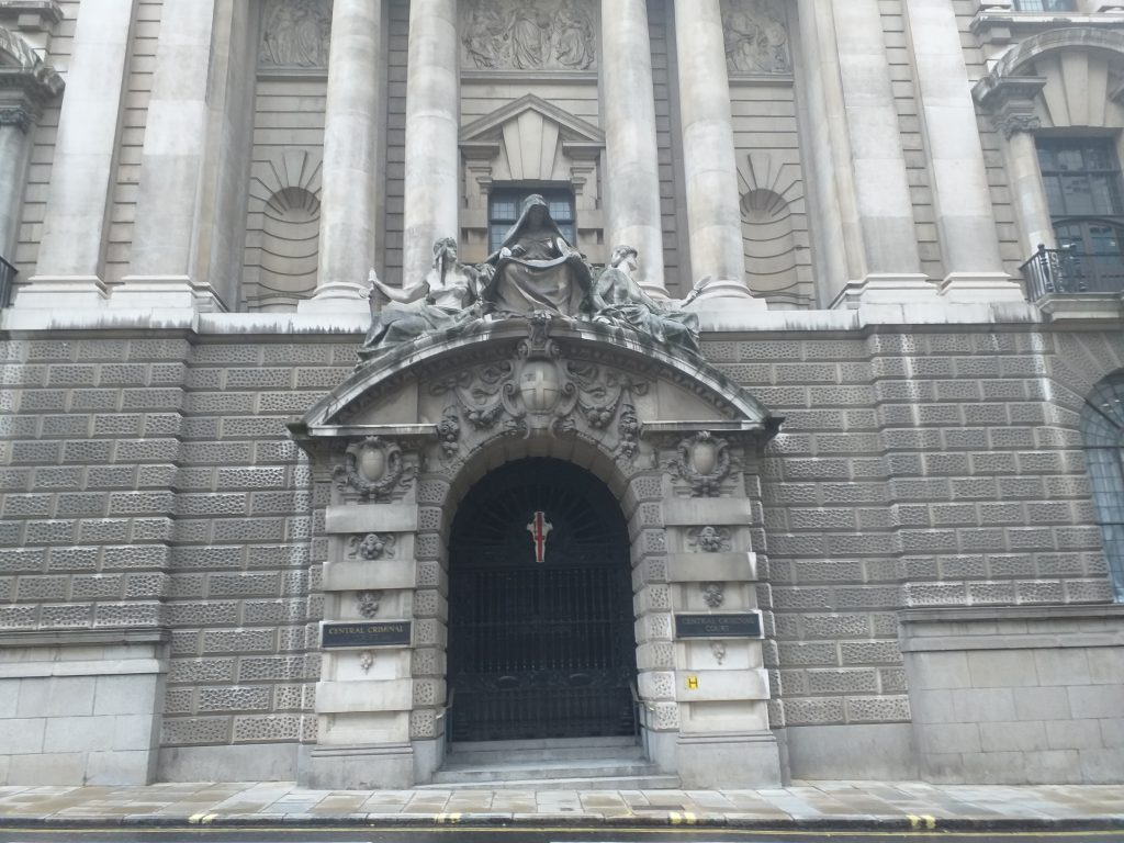 Entrance to the Old Bailey, the Central Criminal Court in London (Photo: Philipp Röttgers)